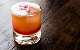 coctel tequila sour de fresa