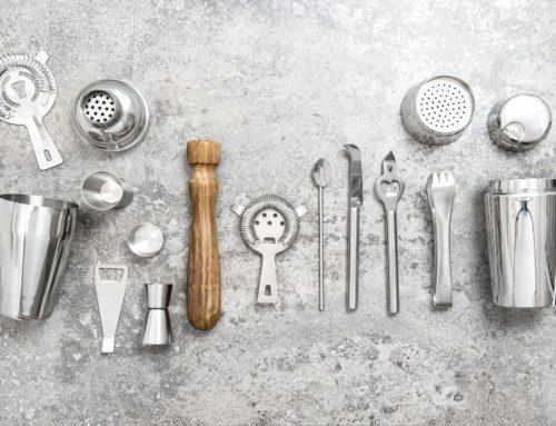 12 utensilios de coctelería básicos para preparar cocteles
